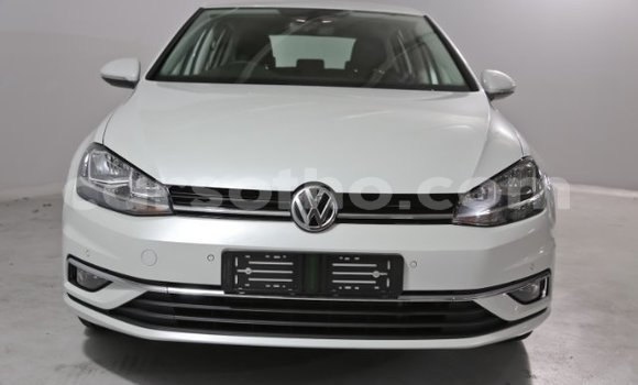 Buy Used Volkswagen Golf White Car in Butha Buthe in Butha-Buthe