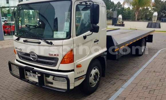 Buy Used Hino 300 Series White Truck in Butha Buthe in Butha-Buthe