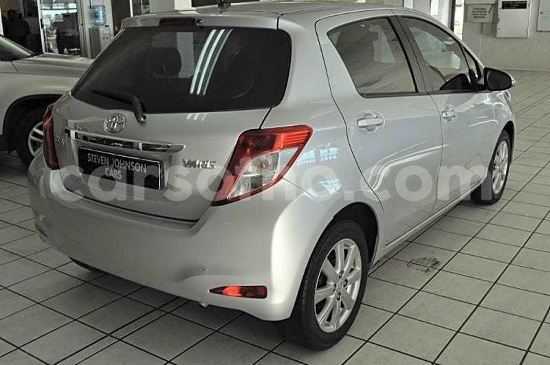 Big with watermark 2013 toyota yaris 1.3 cvt 5