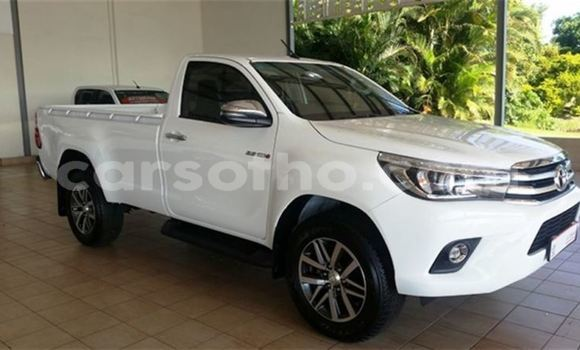 Buy Used Toyota Hilux White Car in Butha Buthe in Butha-Buthe