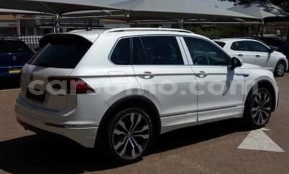 Buy Used Volkswagen Tiguan White Car in Maseru in Maseru