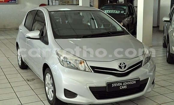 Buy Used Toyota Yaris White Car in Mafeteng in Mafeteng