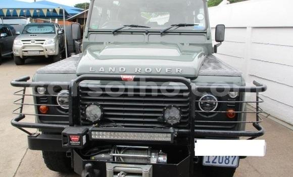 Buy Used Land Rover Defender Green Car in Roma in Maseru