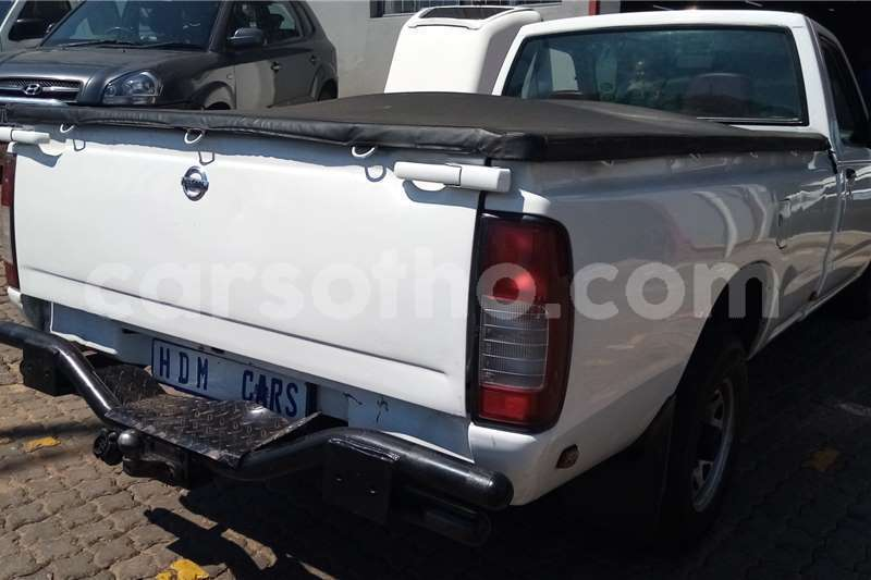 Big with watermark nissan np 300 mohale s hoek mohale s hoek 20628