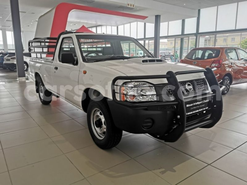Big with watermark nissan np 300 leribe maputsoe 20650