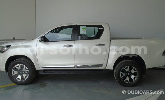 Buy Import Toyota Hilux White Car in Import - Dubai in Maseru
