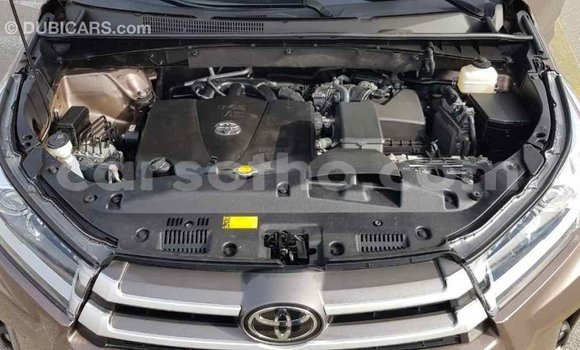 Buy Import Toyota Highlander Brown Car in Import - Dubai in Maseru