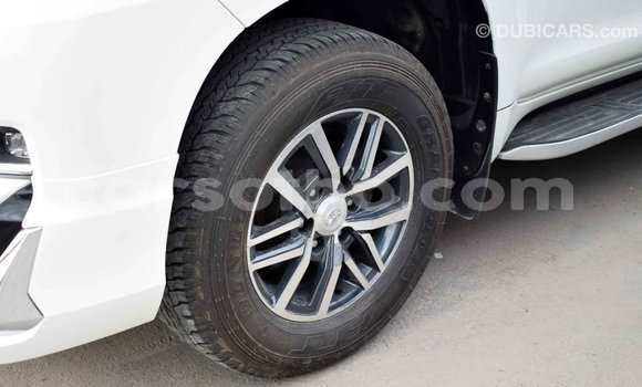 Buy Import Toyota Prado White Car in Import - Dubai in Maseru