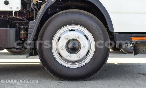Buy Import Mitsubishi L400 White Truck in Import - Dubai in Maseru