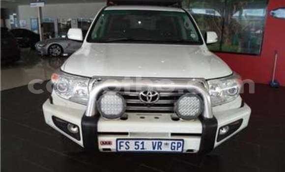 Buy Used Toyota Land Cruiser White Car in Butha–Buthe in Thaba-Tseka