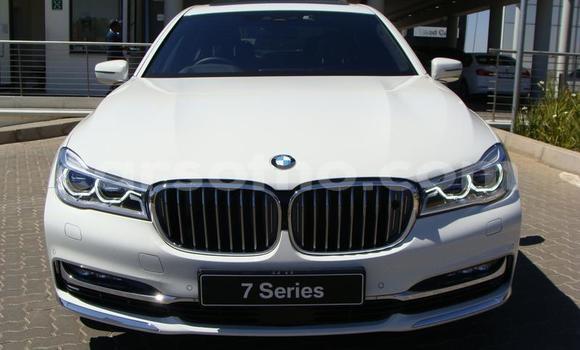 Buy Used BMW 7er White Car in Roma in Maseru