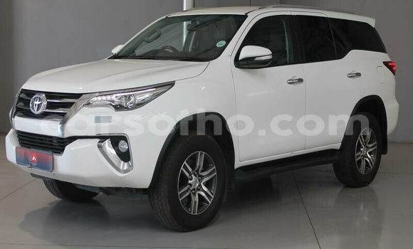 Buy Used Toyota Fortuner White Car in Butha–Buthe in Thaba-Tseka