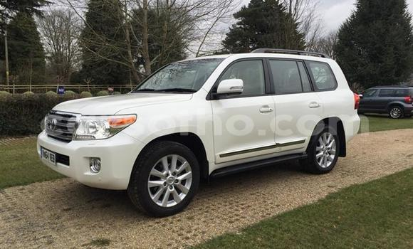 Buy Used Toyota Land Cruiser Prado White Car in Maseru in Maseru