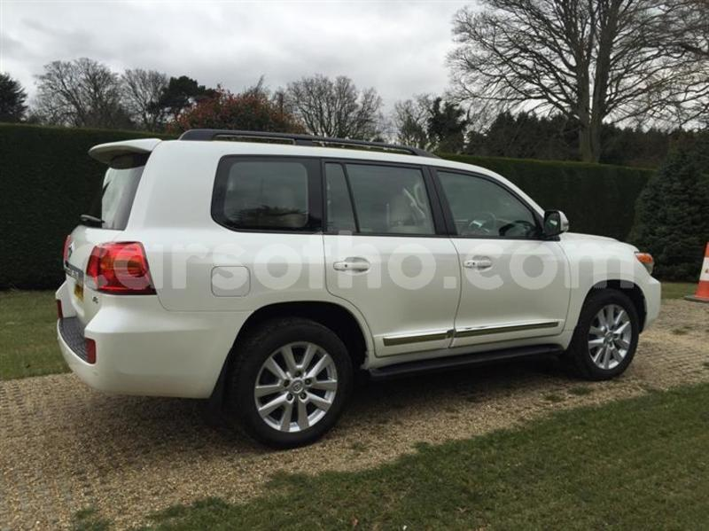 Big with watermark toyota land cruiser 4 5 d 4d v8 4x4 5dr tmps 153522079 3