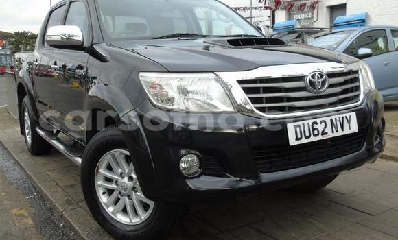 Buy Used Toyota Hilux Black Car in Quthing in Butha-Buthe