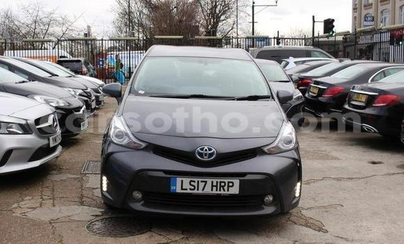 Medium with watermark 2017 toyotaprius 1.8 icon cvt 5dr 5