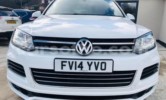 Buy Used Volkswagen Touareg White Car in Mohale's Hoek in Mohale's Hoek