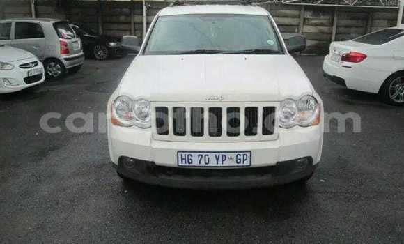 Buy Used Jeep Cherokee White Car in Maseru in Maseru