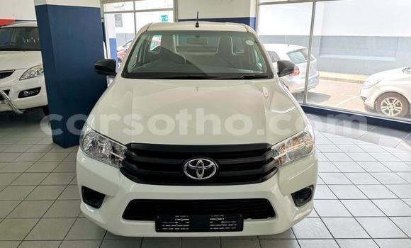 Buy Used Toyota Hilux White Car in Maseru in Maseru