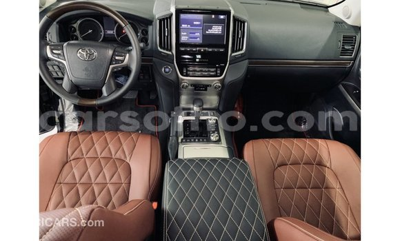Buy Import Toyota Land Cruiser Black Car in Import - Dubai in Maseru
