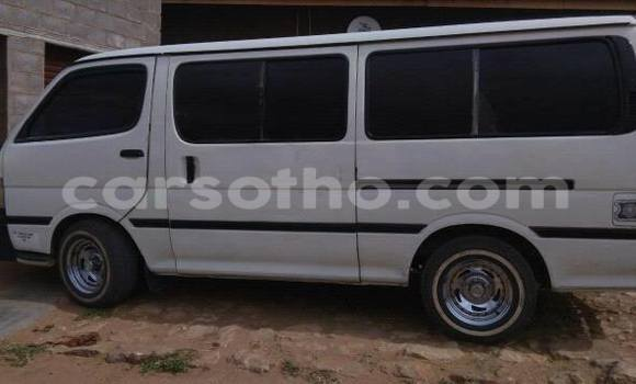 Buy Used Toyota Hiace White Car in Maseru in Maseru