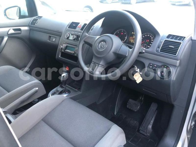 Big with watermark 2011 volkswagen touran s tdi dsg 5