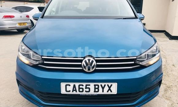 Buy Used Volkswagen Touran Blue Car in Mohale's Hoek in Mohale's Hoek