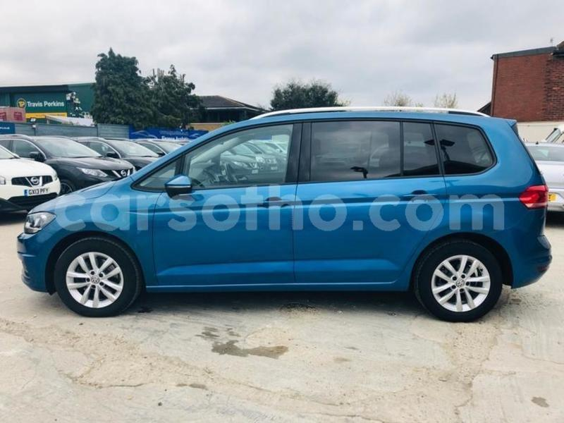 Big with watermark 2015 volkswagen touran 1.6 tdi 2