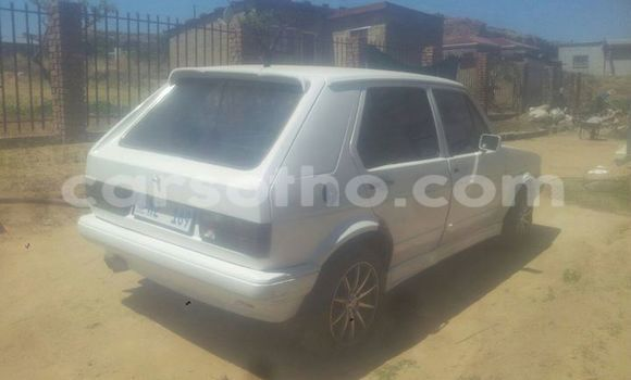 Buy Used Volkswagen Golf White Car in Maseru in Maseru