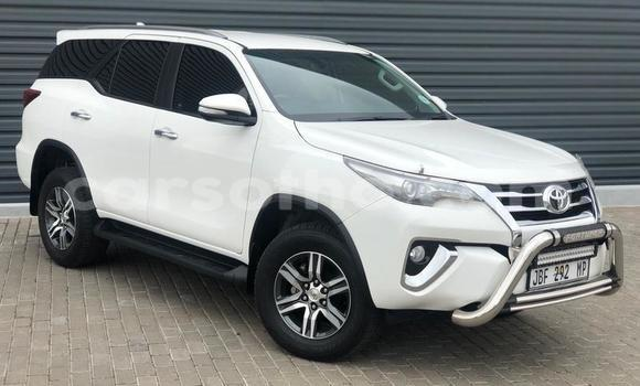 Buy Used Toyota Fortuner White Car in Butha Buthe in Butha-Buthe