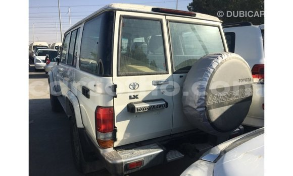 Buy Import Toyota Land Cruiser White Car in Import - Dubai in Maseru
