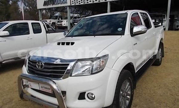 Buy Used Toyota Hilux White Car in Quthing in Butha-Buthe