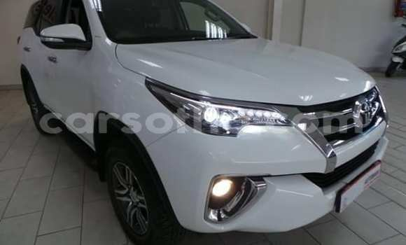 Buy Used Toyota Fortuner White Car in Butha-Buthe in Thaba-Tseka