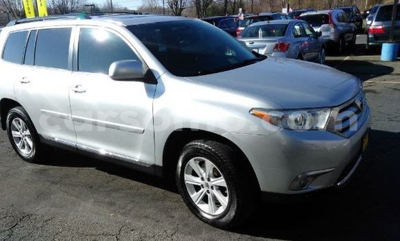 Buy Used Toyota Highlander Silver Car in Maseru in Maseru