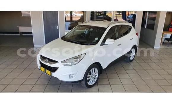 Buy Used Hyundai ix35 White Car in Maseru in Maseru