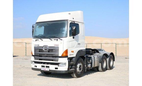 Buy Import Hino 300 Series White Truck in Import - Dubai in Maseru