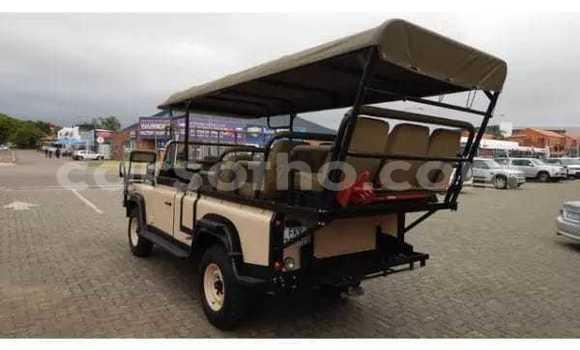 Buy Used Land Rover Defender Other Car in Maputsoe in Leribe