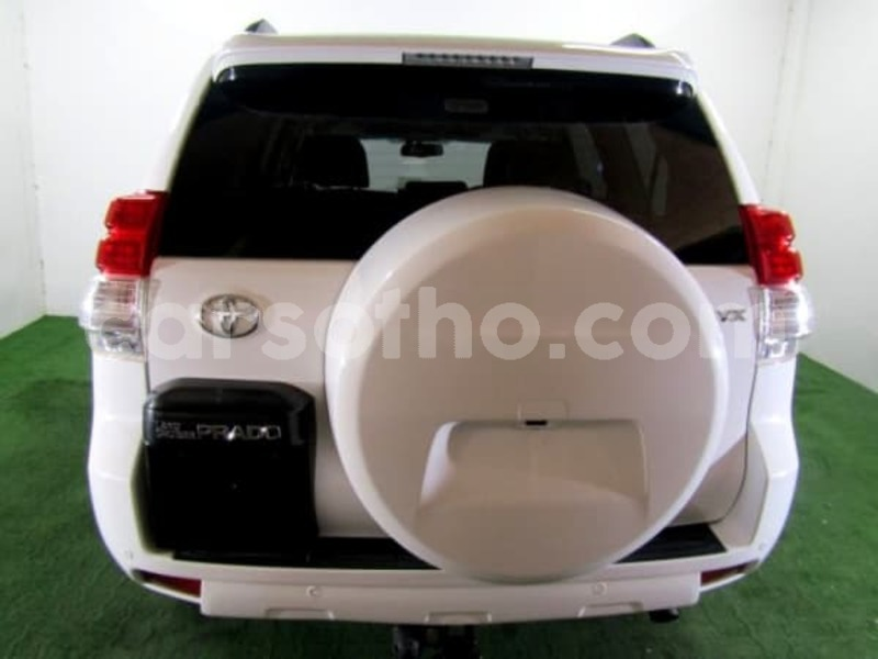 Big with watermark 2011 toyota prado 5