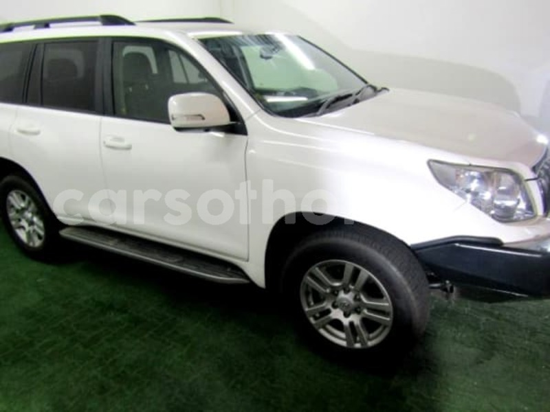 Big with watermark 2011 toyota prado 7
