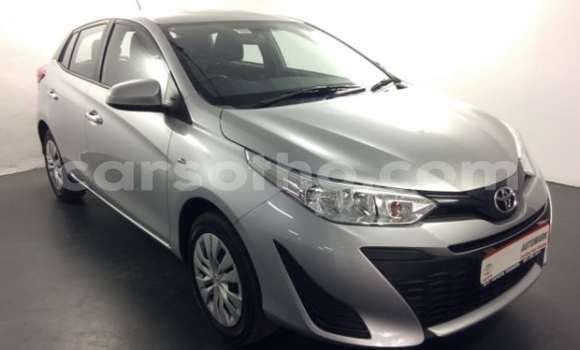 Medium with watermark 2018 toyota yaris a