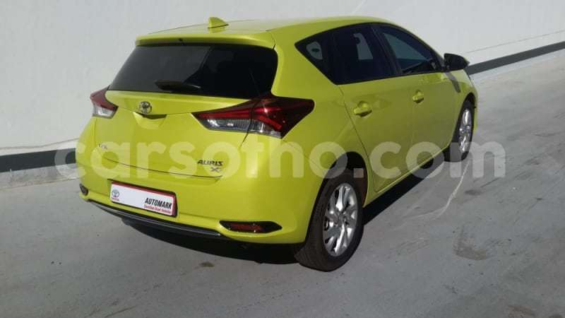 Big with watermark 2017 toyota auris 1.6 xs e