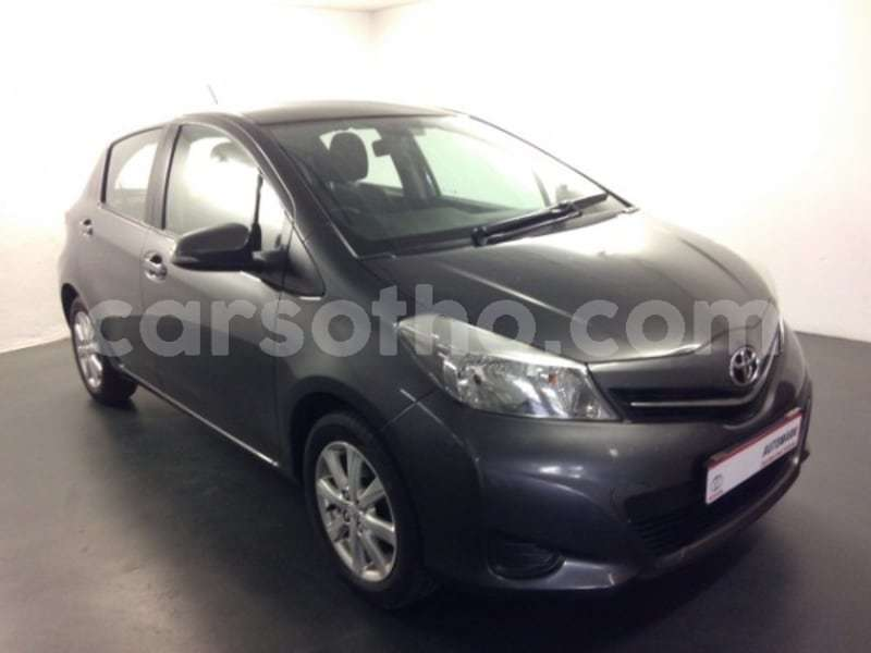 Big with watermark 2013 toyota yaris a1