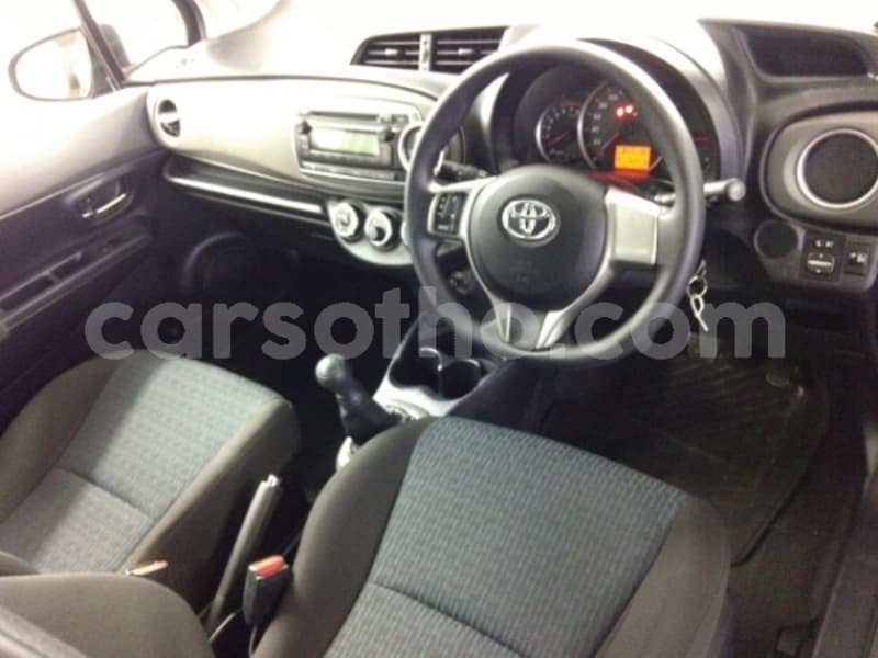 Big with watermark 2013 toyota yaris e5