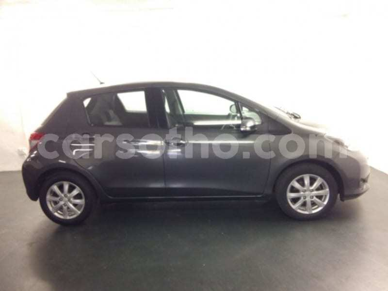 Big with watermark 2013 toyota yaris d4