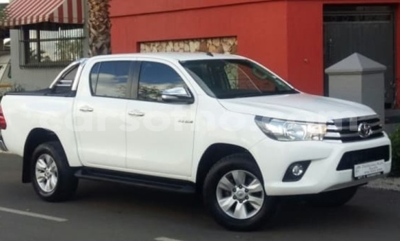 Buy Used Toyota Hilux White Car in Hlotse in Leribe