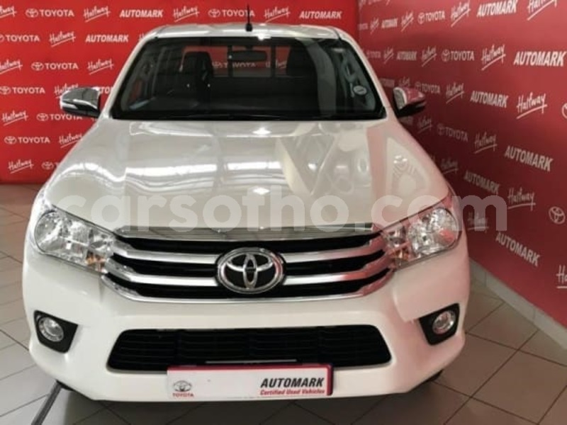 Big with watermark 2016 toyota hilux 2.8 b