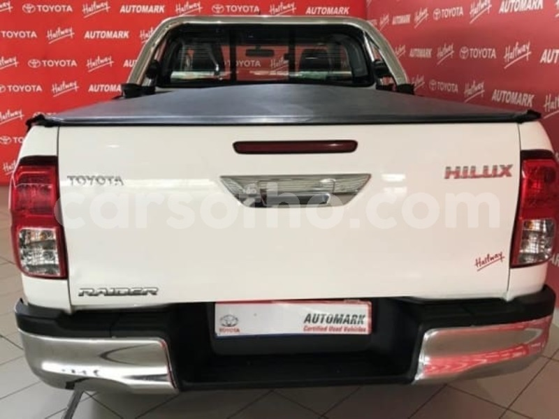 Big with watermark 2016 toyota hilux 2.8 e