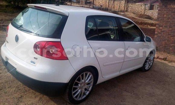Buy Used Volkswagen Golf White Car in Maseru in Maseru