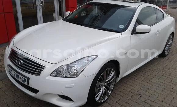 Buy Used Infiniti FX–Series White Car in Maseru in Maseru