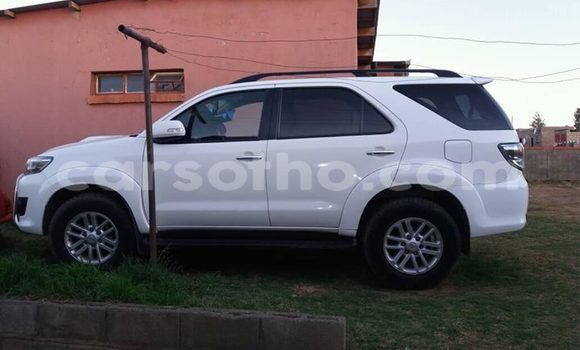Buy Used Toyota Fortuner White Car in Maseru in Maseru